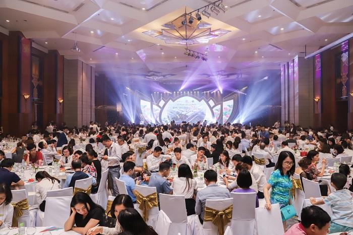 CenLand-tặng-quà-với-tổng-giá-trị-1.6-tỉ-đồng-cho-khách-hàng-dự-án-KĐT-vườn-sen-1